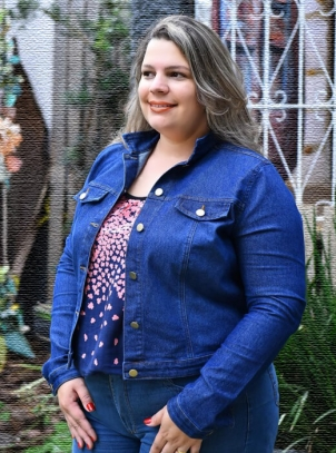 Jaqueta Jeans Plus Size Cropped Escura