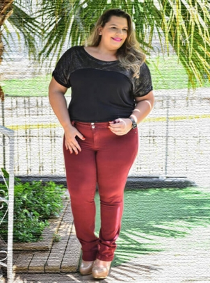 Calça Plus Size Cigarrete Bordô