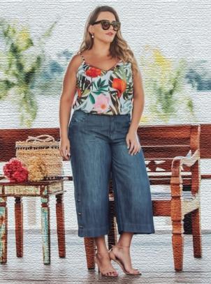 Calça Pantacourt Plus Size Jeans com Botões