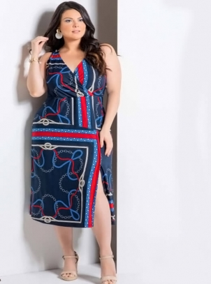 Vestido Plus Size Azul Marinho Midi