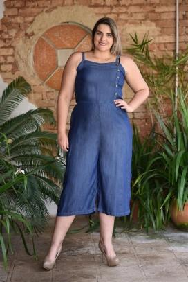 Macacão Feminino Plus Size Jeans Pantacourt