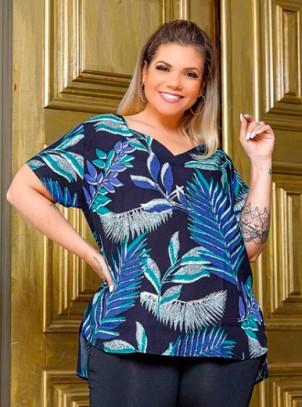 Blusa Plus Size Preta Estampa Floral