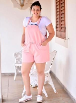 Jardineira Feminina Plus Size Rosê Bolsos e Cordão